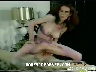 Classy women in vintage zoo cam sex with dogs